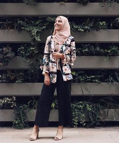 Awesome 40 Elegant Hijab for Working Fashion Wear, Work Fashion, Modest Fashion, Fashion Outfits, Muslim Women Fashion, Islamic Fashion, Classy Outfits, Chic Outfits, Niqab