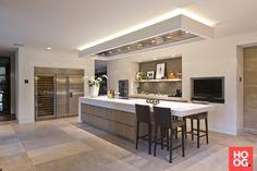 Luxury Kitchen Design, Luxury Kitchens, Interior Design Kitchen, Cool Kitchens, Living Room Kitchen, Home Decor Kitchen, Kitchen Ideas, Kitchen Queen, Modern Kitchen Cabinets