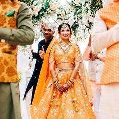 Orange Lehenga, Floral Lehenga, Lehenga Dupatta, Summer Wedding Outfits, Bridal Outfits, Wedding Wear, Wedding Attire, Wedding Bride, Bridal Dupatta