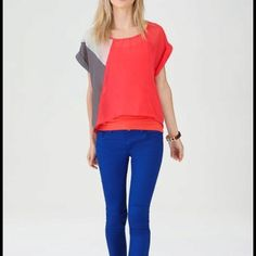Color blocking at its best. I love this outfit.