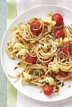 Dieta détox para adelgazar 5 kilos (con menús diarios y recetas) Menu Dieta, Spaghetti, Alcohol, Ethnic Recipes, Food, Fast Diets, Healthy Dieting, Healthy Snack Foods, Vegetarian Recipes