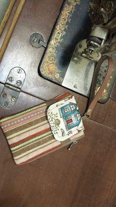 Carteira porta-celular Apresento um PAP da carteira porta-celular. Esse projeto é muito lindo e foi criado pela Ana Cosentino. Tem ...