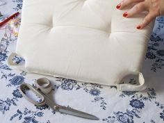 como hacer cojines para sillas | Aprender manualidades es facilisimo.