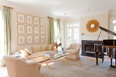 I love the coffee table!  Things That Inspire: Staging our house and putting it on the market
