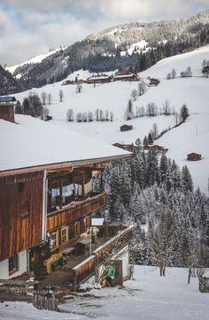 Alpbachtal in Tirol, Österreich (Foto von Inka Cee) Tyrol Austria, Visit Austria, Heart Of Europe, Winter Magic, Mountain Living, Central Europe, Alps, Beautiful Places, Austria