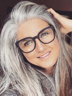 Long Gray Hair, Silver Grey Hair, Hair Color And Cut, Cut My Hair, Bob Hairstyles, Straight Hairstyles, Medium Hair Styles, Natural Hair Styles, Silver Haired Beauties