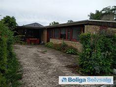 Bastebjerg 24, 2690 Karlslunde - Typisk 1964'er bungalow beliggende ned til fredet mose. #villa #karlslunde #selvsalg #boligsalg #boligdk