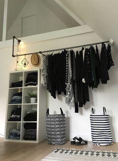 🖤 walk in closet with IKEA KALLAX