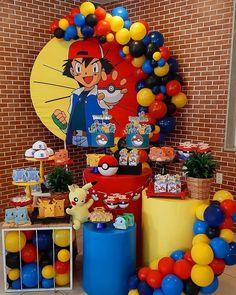 Mini Party do Pokémon! Via ig ( - Por ( - Pokémon 👊👊👊 . 5th Birthday Party Ideas, Kids Party Themes, Birthday Party Decorations, 9th Birthday, Pokemon Themed Party, Pokemon Birthday Cake, Pokemon Table, Festa Pokemon Go, Pokemon Balloons