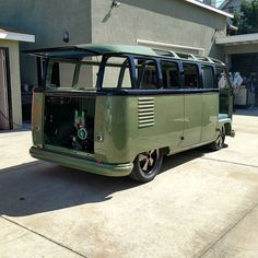 """1,618 Likes, 41 Comments - Pip  L.B.C #CompoundBuilt (@aka_pip) on Instagram: """"Seen a lot of buses that all look the same.... #CompoundBuilt #notthesameoldshit #DBKCARCLUB…"""""""