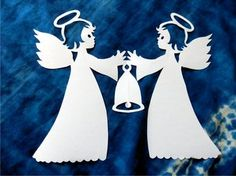 Two angels are holding the bell se zvonkem - vystřihovánka Christmas Paper Crafts, Christmas Tag, Rustic Christmas, Christmas Ornaments, Kirigami, Angel Theme, Paper Cutting Patterns, Xmas Pictures, Angel Crafts