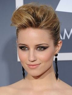 At last years Grammys Dianna Agron paired a dark smokey eye with pale lips