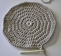 Háčkovaný puf s fotopostupem Crochet Pouf, Crochet Hats, Rest, Diy And Crafts, Knitting, Projects, Home Decor, Ideas, Mesh