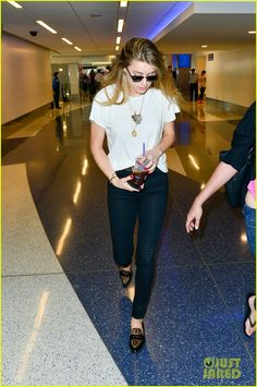 amber heard lax without johnny depp 01 Amber Heard keeps it casual and low-key as she touches down at LAX Airport on Wednesday (June 24) in Los Angeles.    The 29-year-old actress was returning from a…