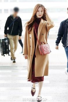 SNSD's Seohyun @ Incheon Airport off to Paris for magazine photoshoot Snsd Fashion, Fashion 2018, Girl Fashion, Seohyun, Japan Fashion, Airport Style, Korean Outfits, Girls Generation, Kpop Girls