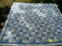 1920's blue and white quilt
