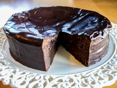 Sjokolade konfektkake! Nydelig med en bringebær eller jordbærsaus ved siden av.