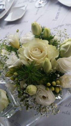 Flower design. Flower Designs, Wedding Planner, Table Decorations, Flowers, Home Decor, Style, Wedding Planer, Swag, Decoration Home
