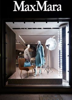 """MAXMARA,London,UK, """"A good photograph is knowing where to stand  Marilyn"""", design by Chameleon Visual, pinned by Ton van der Veer"""