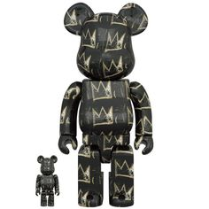 Jean-Michel Basquiat 8th Ver. 100% + 400% Bearbrick Set (OCT2021) #basquiat #jeanmichelbasquiat #JMB #bearbrick #8thversion #medicom #bearbrick400 #collectible #toy #designertoy #vinyltoy #arttoy #instagood #beautiful #love #art #fashion #new Jean Michel Basquiat, Hydro Dipping, Classic Films, Toy Sale, Dark Backgrounds, Box Art, American Artists, Cool Toys, Color Mixing