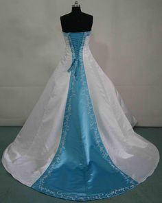 Turning heads with turquoise wedding bag aqua and turquoise white and pool blue wedding gown junglespirit Image collections
