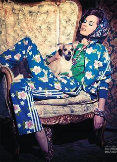Magazine:Nylon Mexico  Editorial:Dog Party  Model:Taylor |Fusion Models|  Hair:Saya Hughes  Makeup:Katie Mellinger  Stylist:Martin Waitt  Props:Gozde Eker  Photographer:Kristiina Wilson