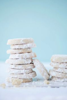 Lemon and Almond Meltaway Cookies Covered in Powdered Sugar