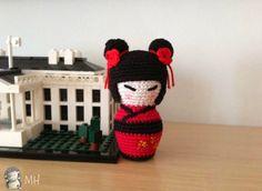 Kokeshi Amigurumi English Pattern by Ana Artedetei Stitch Head, Chain Stitch, Slip Stitch, Cross Stitch, Spiral Crochet, Double Crochet, Single Crochet, Crochet Dolls, Crochet Hats