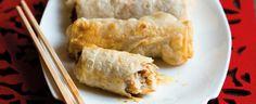 1. Cibuli nakrájejte nadrobno a osmahněte ji v pánvi s vyšším okrajem na lžíci slunečnicového oleje. Přidejte nahrubo nastrouhanou mrkev, okapané a...