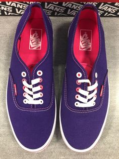 65366d958f8ce0 New With Box Vans Authentic Shoes Mens Size 9.5 Womens Size 11  fashion
