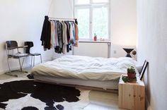Scandinavian low bed