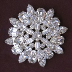 Brooch Weiss Clear Rhinestone Layered Dimensional Brooch Pin - Flotsam from Michigan - 1 - Weiss domed brooch in three layers of glittering clear chaton, marquise and step-cut rhinestones. Most likely dates from the Very good vintage condition. Jewelry Armoire, Antique Jewelry, Vintage Jewelry, Handmade Jewelry, Rhinestone Jewelry, Vintage Rhinestone, Sterling Silver Earrings, Vintage Brooches, Gemstone Jewelry