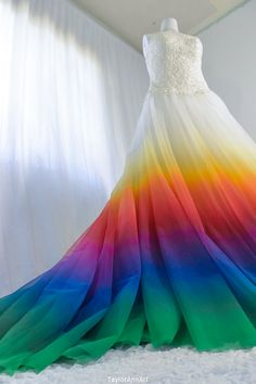 Rainbow Long Prom Dresses With Lace CR 8822 - Vestito da sposa A Line Prom Dresses, Quinceanera Dresses, Rainbow Wedding Dress, Rainbow Dresses, Rainbow Bridesmaid Dresses, Pretty Dresses, Beautiful Dresses, Colored Wedding Gowns, Different Color Wedding Dresses