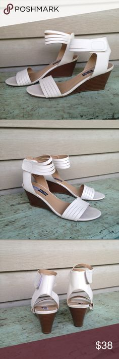 NWT Xoxo White Ankle Wedges Size 8.5 So chic! Boutique Shoes Wedges