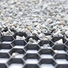 Vidéo du produit plaque alvéolée recyclée, en nid d'abeille, pour stabiliser les graviers. Voir la pose d'une dalle alvéolée flexible, drainante, en...