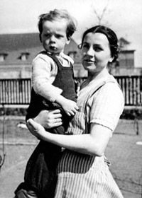 Jehovah's Witness, Gertrud Poetzinger, holding a child in the Oranienburg Concentration Camp, Germany. They were arrested and persecuted for remaining politically neutral and not supporting Hitler and the Nazi regime. Jehovah S Witnesses, Jehovah Witness, Believe, Persecution, Interesting History, Good News, World War, Wwii, The Past