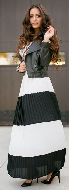 Street style | Striped pleated maxi dress and leather coat.