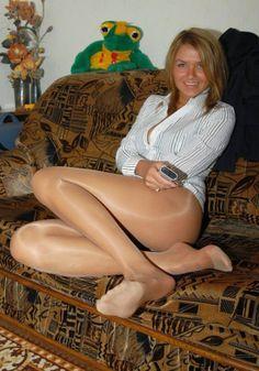 Nice Black Pantyhose She 42