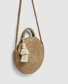 Image 6 of ROUND RAFFIA BASKET BAG from Zara