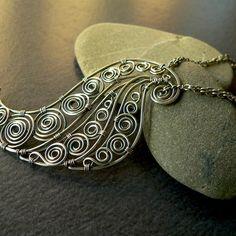 pendant by earringsbyerin on jewelrylessons.com - pretty much love all of her stuff! -mk