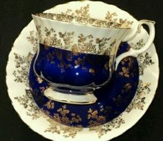 Wouldn& you feel regal drinking tea from this Royal Albert Cobalt Gold bone china cup? Tea Cup Set, My Cup Of Tea, Tea Cup Saucer, Tea Sets, Café Chocolate, Cuppa Tea, Teapots And Cups, China Tea Cups, Royal Albert