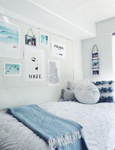 College Bedroom Decor, Cute Bedroom Decor, Cool Dorm Rooms, Bedroom Decor For Teen Girls, Room Ideas Bedroom, Bedroom Themes, Bedroom Inspo, Blue Teen Bedrooms, Beachy Room