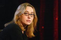 Virginie Despentes (et Charlotte Roche) vue(s) par Nelly Arcan (et retour sur un Renaudot très chahuté…) http://www.buzz-litteraire.com/201011291708-quand-nelly-arcan-analysait-ses-consoeurs-virginie-despentes-et-roche/