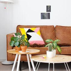 F R A N K I E on the blog of @vtwonen!😃Bedankt @elskeleenstra voor het schrijven van het blog en het maken van de mooie foto's. Je leest het blog hier http://www.vtwonen.nl/inspiratie/bloggers/handgemaakte-kussens-how-about-frankie/ #vtwonen #blog #cushion #handmade #fairmade #dutchdesign #interieur #interior #urbanjungle