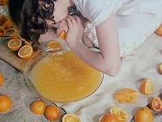 Crushing oranges : film still from Fruit of Paradise, 1970 > an important work of feminist cinema Cinematic Photography, Film Stills, Color Inspiration, Paradise, In This Moment, Fruit, Sweet, Instagram, Food
