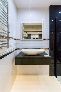Tubądzin Abisso - BLU salon łazienek Łódź ul. Zgierska 69 - zdjęcie od BLU salon łazienek Łódź Rest Room, Small Bathroom, Bathtub, Luxury, Home Decor, Bathrooms, Home, Bath, Drawing Rooms