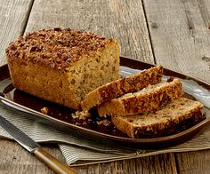 Warm spices, apples, and plenty of toasted pecans make this the perfect fall quick bread. Applesauce adds an extra hit of apple flavor while chopped pecans make an appealing crunchy top. Cheesecakes, Pecan Bread Recipe, Pecan Cake, Quick Bread Recipes, Sweet Recipes, Baking Recipes, Easy Recipes, Toasted Pecans, French Toast