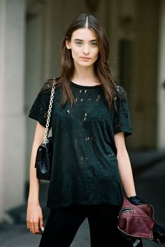 Brazilian model Carolina Thaler, after Ellery, Paris, September Another way to wear the distressed tee : with jeans, and a cha. Fashion Week Paris, Modell Street-style, Vanessa Jackman, Cool Style, My Style, Fashion Beauty, Womens Fashion, Pretty Outfits, My Outfit