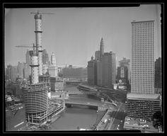 1962. Marina Towers Construction.
