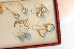 Pin on resin Making Resin Jewellery, Clay Jewelry, Jewelry Crafts, Handmade Jewelry, Diy Resin Art, Diy Resin Crafts, Uv Resin, Diy Resin Earrings, Gift Box For Men